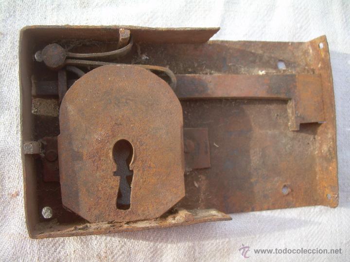 cerradura antigua con su llave llave antigua comprar