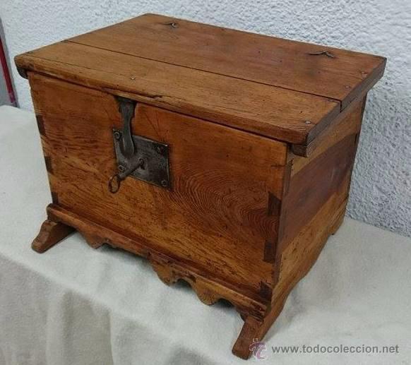 Antigua caja arqueta ba l de madera de pino r comprar ba les antiguos en todocoleccion - Herrajes muebles antiguos ...