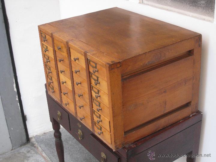 Antiguo mueble cajonero de oficios comprar muebles for Mueble zapatero antiguo