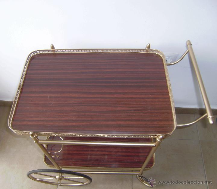 Mesa carrito camarera de hierro dorado comprar muebles for Mesa camarera plegable