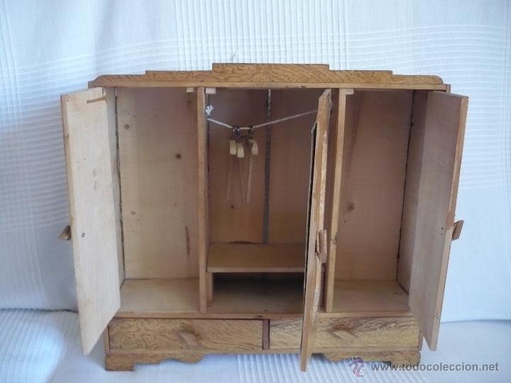 Armario ropero antiguo de madera para ropa de m comprar casas de mu ecas mobiliarios y - Armario ropero antiguo ...