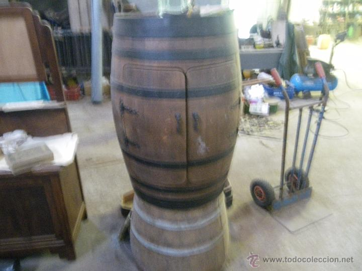 Antiguo botellero echo con pipa o barrica de vi comprar for Mueble pipas