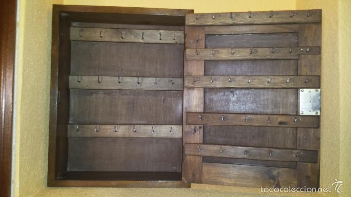 Cuelgallaves armario industrial de madera para comprar muebles vintage en todocoleccion 57700571 - Para colgar llaves ...