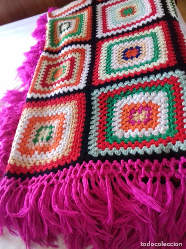 Antigua y bonita colcha de lana de colores hech comprar - Aplicaciones de crochet para colchas ...