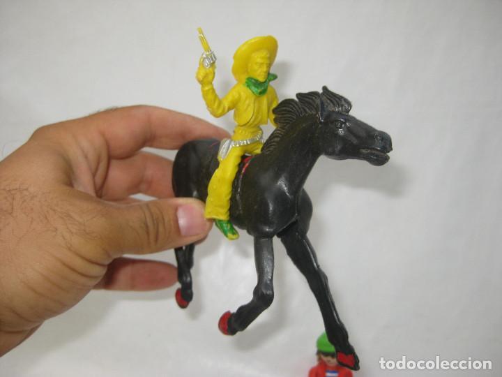 Figuras de Goma y PVC: - Foto 2 - 97181783