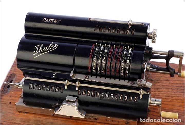 Calculadora mecánica Thales