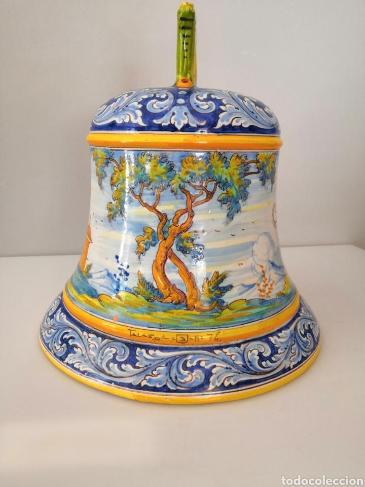 Campana de cerámica de Talavera