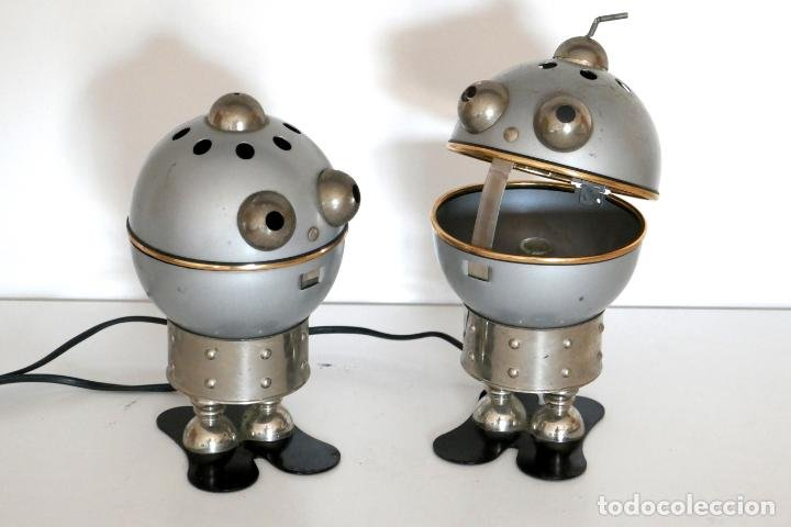 Lámpara space age robots