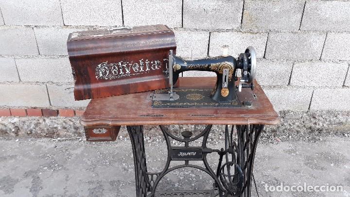 Máquina de coser Helvetia