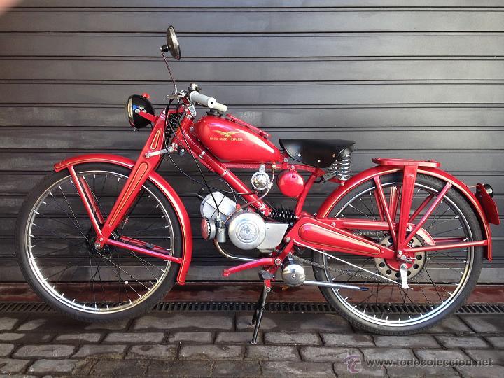 Moto clásica Guzzi