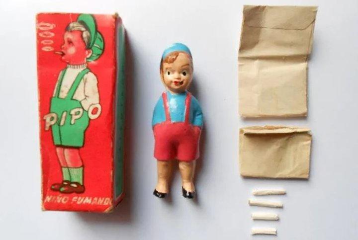 Pipo, muñeco que fuma
