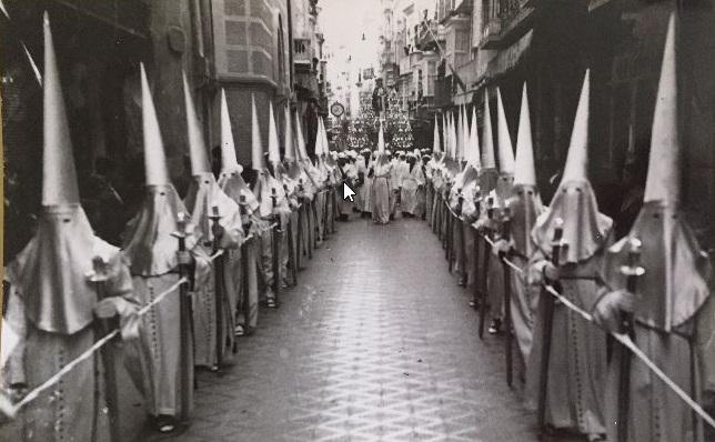 Coleccionismo de Semana Santa: desfile de nazarenos