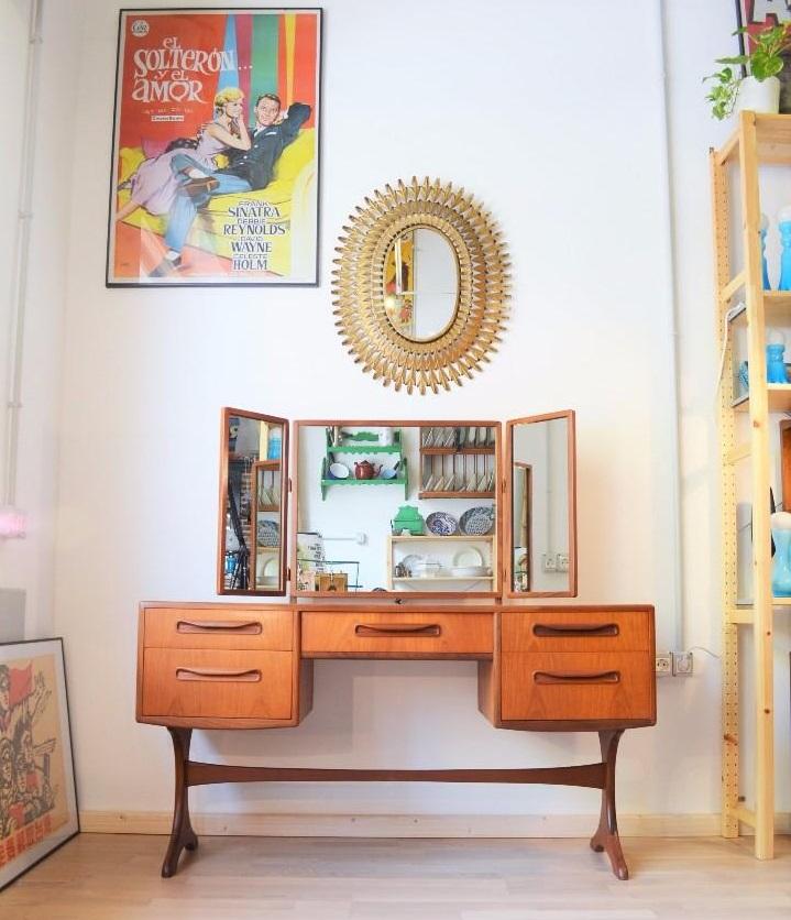 Mueble tocador vintage inglés