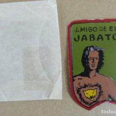 Tebeos: EMBLEMA AMIGO DE EL JABATO. ORIGINAL BRUGUERA RARÍSIMO. Lote 101350623