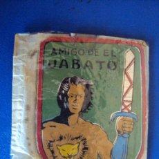 Tebeos: (PUB-180702)PLACA METÁLICA AMIGO DE EL JABATO EN SU SOBRE SIN USO. BRUGUERA 1958. RARA.. Lote 127137659