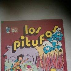 Tebeos: LOS PITUFOS, EL PAIS MALDITO, COLECCION OLE DE BRUGUERA. Lote 194008882