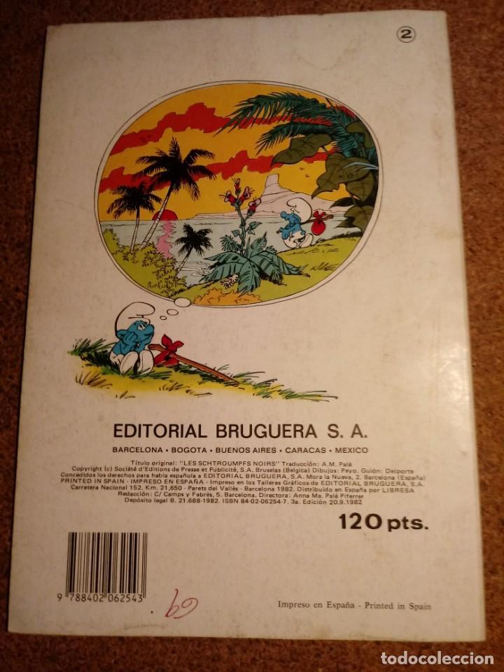 Tebeos: COMIC DE OLE LOS PITUFOS EN LOS PITUFOS NEGROS DEL AÑO 1982 Nº 2 - Foto 2 - 220539760