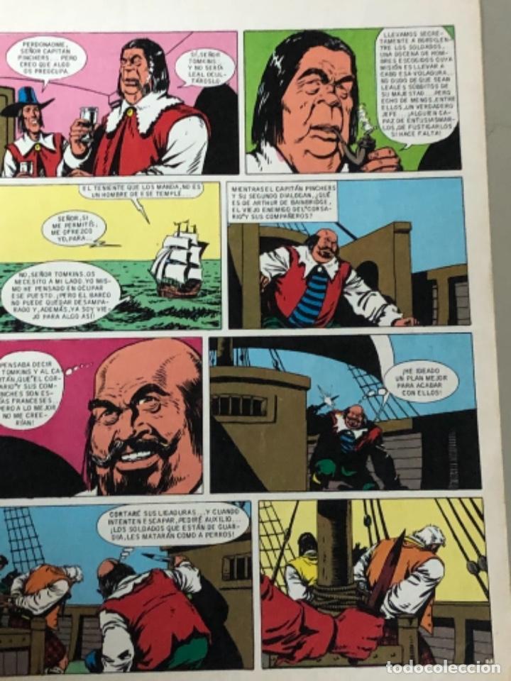 Tebeos: Lote de dos números de Joyas literarias Juveniles serie roja , El corsario de hierro - Foto 3 - 233199830