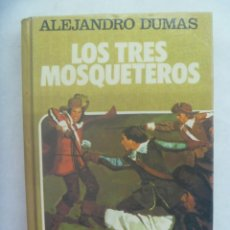 Tebeos: HISTORIAS SELECCION : LOS TRES MOSQUETEROS , DE ALEJANDRO DUMAS . DE BRUGUERA, 1985. DIBUJOS AMBROS. Lote 244472585