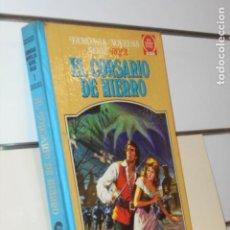Livros de Banda Desenhada: TOMO FAMOSAS NOVELAS SERIE ROJA I (1) EL CORSARIO DE HIERRO - BRUGUERA 1ª EDICION 1978. Lote 258993050