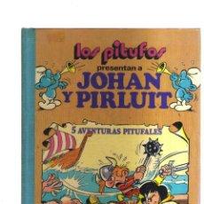 Tebeos: LOS PITUFOS PRESENTAN A JOHAN Y PIRLUIT 5 AVENTURAS PITUFALES. Lote 221668993