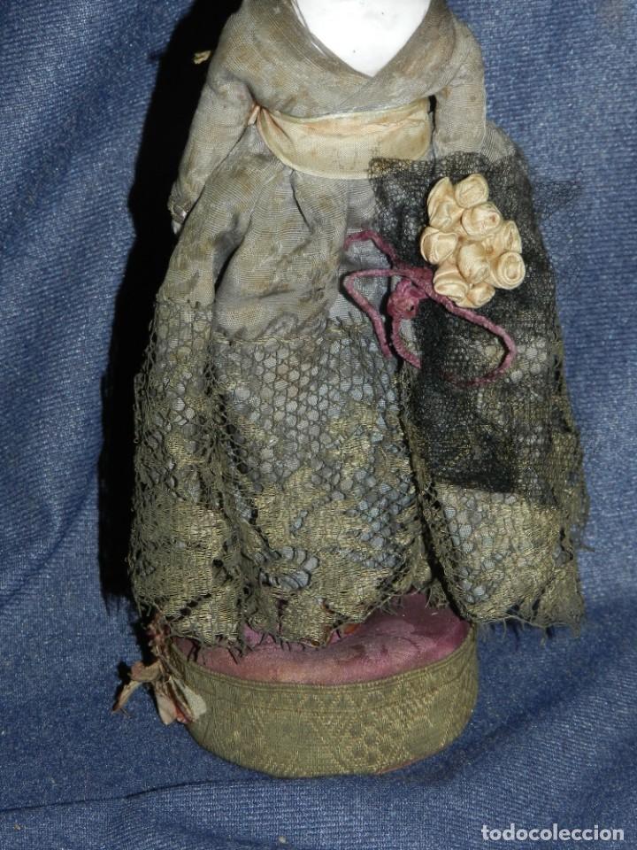 Tebeos: (M) MUÑECA DE PORCELANA ANTIGUA S.XIX CON VESTIDO DE ÉPOCA, 21CM, SEÑALES DE USO NORMALES - Foto 3 - 234471755
