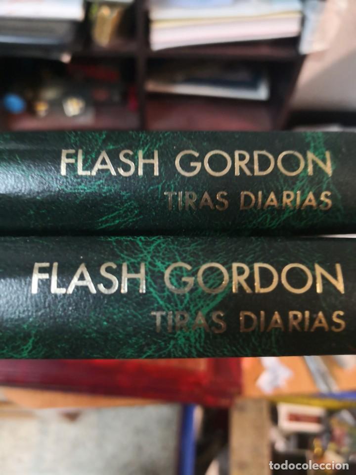 Tebeos: 2 libro flash Gordon(daily strips TIRas diarias 30-10-54 A 12-4-57 y 26-9-59 A 23-12-61 - Foto 2 - 196667488