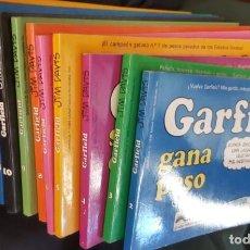 Tebeos: LOTE DE 13 TOMOS DE GARFIELD (1989) Y 1 DE CARLITOS Y SNOOPY (1986) - VER NÚMEROS Y FOTOS. Lote 208118708