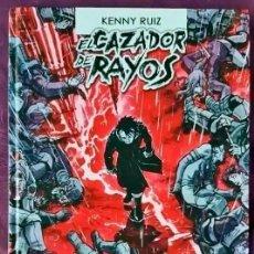 Tebeos: EL CAZADOR DE RAYOS. EDITORIAL DOLMEN. KENNY RUIZ . TAPA DURA. V-3 - VER FOTOS Y DESCRIPCIÓN. Lote 193677018