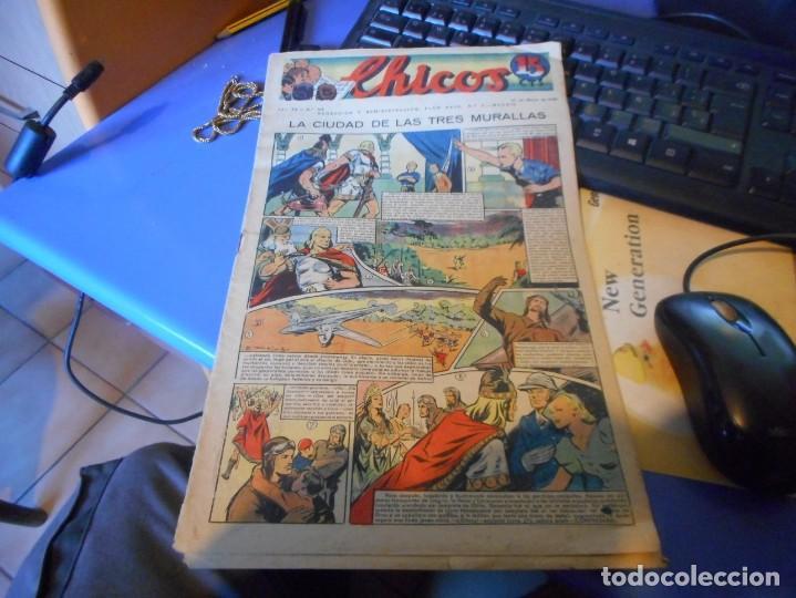 TEBEO COMPLETO CHICOS LA CIUDAD DE LAS TRES MURALLAS FREIXAS BUEN ESTADO (Tebeos y Comics - Consuelo Gil)