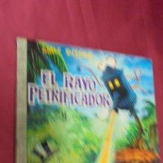 Tebeos: COLECCIÓN DUMBO . Nº 51. EL RAYO PETRIFICADOR. EDICIONES RECREATIVAS. 1969.. Lote 52562940