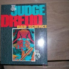 Tebeos: JUEZ DREDD - JUDGE DREDD. NUMERO ESPECIAL BAD SCIENCE CON HISTORIAS ESCOGIDAS DE CIENTIFICOS LOCOS Y. Lote 34845911