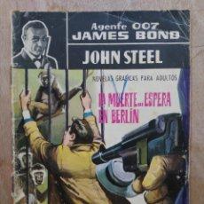 Tebeos: AGENTE 007, JAMES BOND - VIVE Y DEJA VIVIR / LA MUERTE... ESPERA EN BERLIN - ED. FERMA. Lote 179147041