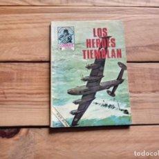 Livros de Banda Desenhada: COMBATE-LOS HÉROES TAMBIÉN TIEMBLAN. Lote 204434203
