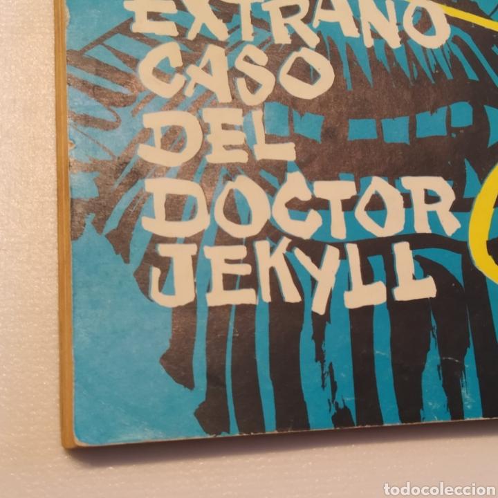 Tebeos: Lote 3 Novela Gráfica TORAY 27 El Corsario Rojo 28 El Extraño caso del Doctor Jekyll 35 Oliver Twist - Foto 26 - 286713823