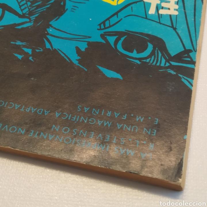 Tebeos: Lote 3 Novela Gráfica TORAY 27 El Corsario Rojo 28 El Extraño caso del Doctor Jekyll 35 Oliver Twist - Foto 28 - 286713823