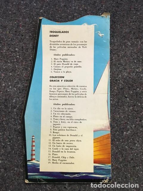 Tebeos: El Pato Donald de viaje - Cuento troquelado gigante - 1966 D50 - Foto 12 - 101208515