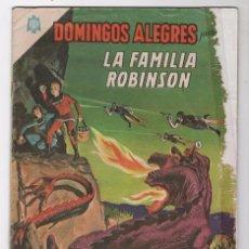 Tebeos: DOMINGOS ALEGRES # 568 NOVARO 1964 LA FAMILIA ROBINSON PERDIDOS EN EL ESPACIO CON ROTURAS. Lote 49295768