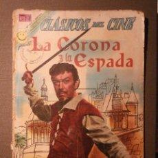 Tebeos: COMIC - CLÁSICOS DEL CINE - LA CORONA Y LA ESPADA - NOVARO. Lote 58372174