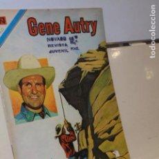 Tebeos: GENE AUTRY SERIE AGUILA Nº 330 - NOVARO - 1975. Lote 118281563