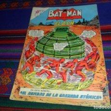 Tebeos: BATMAN Nº 171 CON FLASH. NOVARO 1963. EL HOMBRE DE LA GRANADA ATÓMICA. RARO.. Lote 128263903
