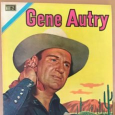 Tebeos: GENE AUTRY. Nº 216. NOVARO, 1971.. Lote 252799220