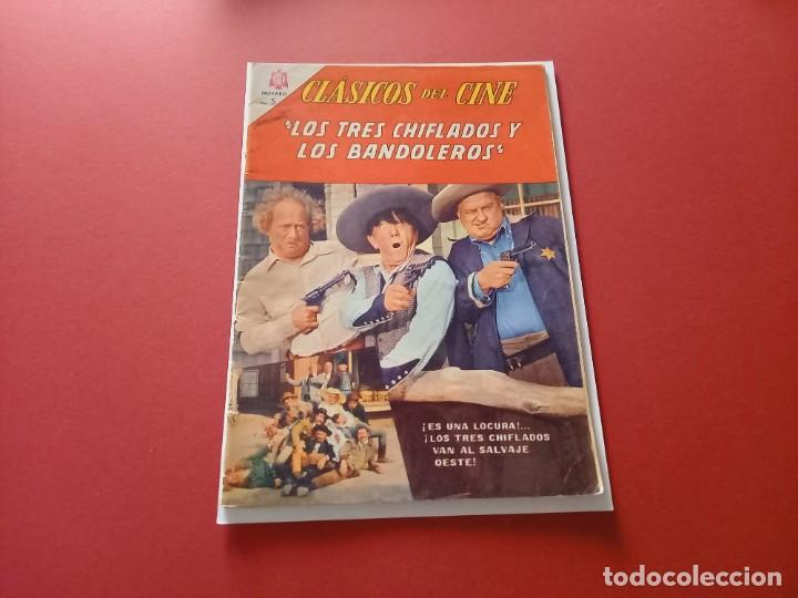 CLÁSICOS DEL CINE Nº 140. LOS TRES CHIFLADOS Y LOS BANDOLEROS. NOVARO. 1965 (Tebeos y Comics - Novaro - Otros)