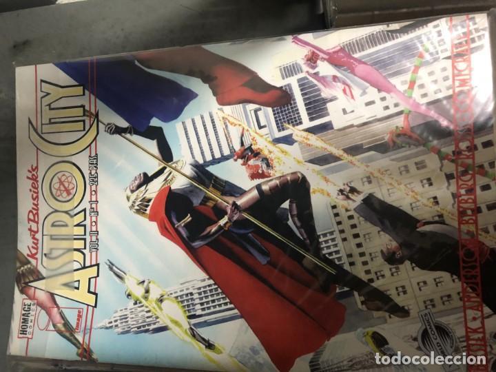 Tebeos: Astro City 1 a 22 + Especial Heroes Locales - Foto 2 - 151511522