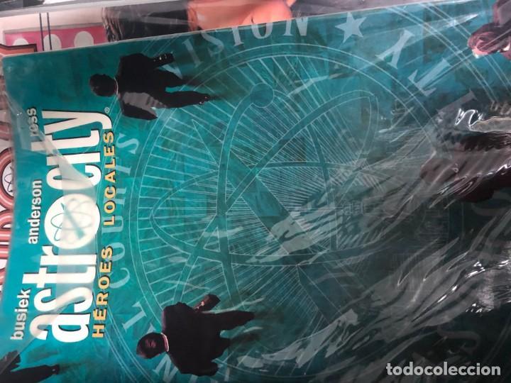 Tebeos: Astro City 1 a 22 + Especial Heroes Locales - Foto 6 - 151511522