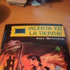 Tebeos: ALERTA EN LA TIERRA ALEX SIMMONS DIBUJOS DE ARMANDO EDITORIAL TIRA Y CIENCIA FICCIÓN. Lote 114825448
