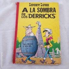 Tebeos: LUCHY LUKE - A LA SOMBRA DE LOS DERRICKS. Lote 126095283