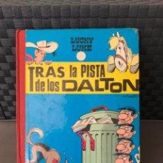 Tebeos: LOS DALTON Y LUCKY LUKE TRAS LA PISTA DE LOS DALTON EDITORIAL TORAY 1ª EDICION 1969. Lote 216406380