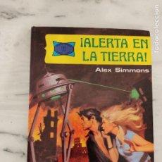 Tebeos: ALERTA EN LA TIERRA - ALEX SIMMONS. Lote 237468050
