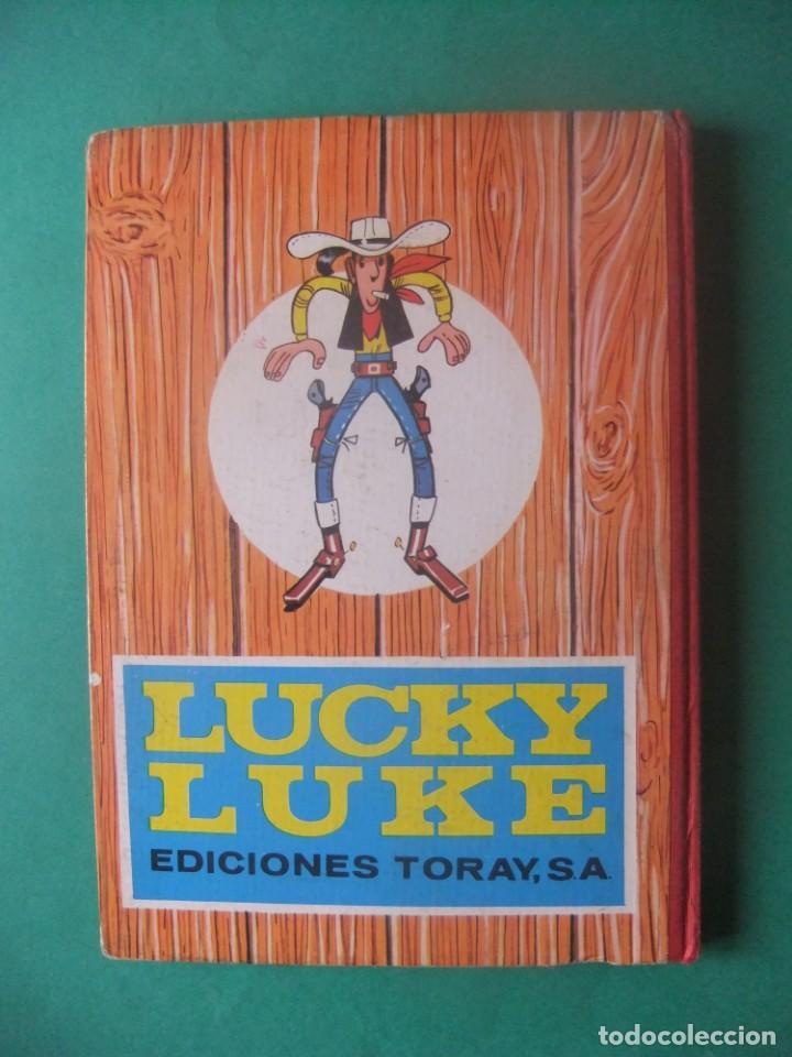 Tebeos: LUCKY LUKE FUERA DE LA LEYEDICIONES TORAY 1969 - Foto 2 - 278813503